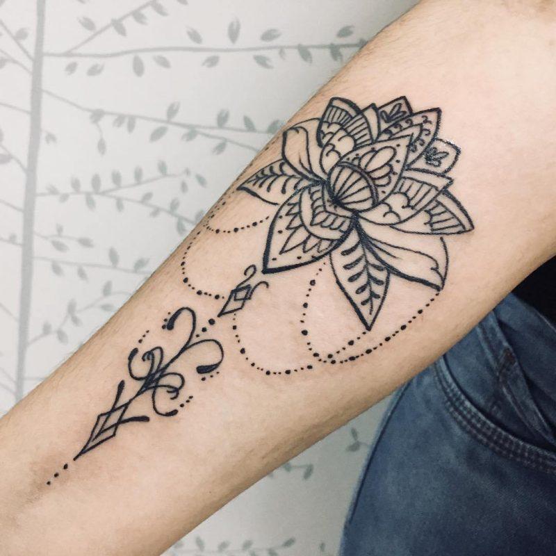 Flor De Lótus Tatuagem Preta Colorida Masculina
