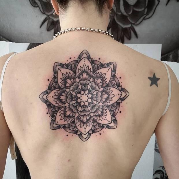 Tatuagem Mandala Significado 115 Fotos E Ideias